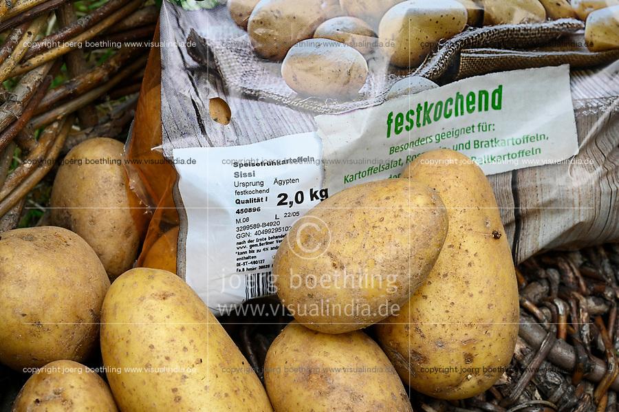 GERMANY, Imported potatos from Egypt / Frühkartoffeln aus Ägypten, Sorte Sissi, von REWE