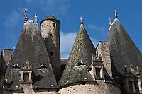 Europe/France/Aquitaine/24/Dordogne/Jumilhac-le-Grand: Château de Jumilhac  _ Détail des toits avec la Tour ronde dite Tour du Get ou Châpeau des Marquis , évocation possible des Alchimistes