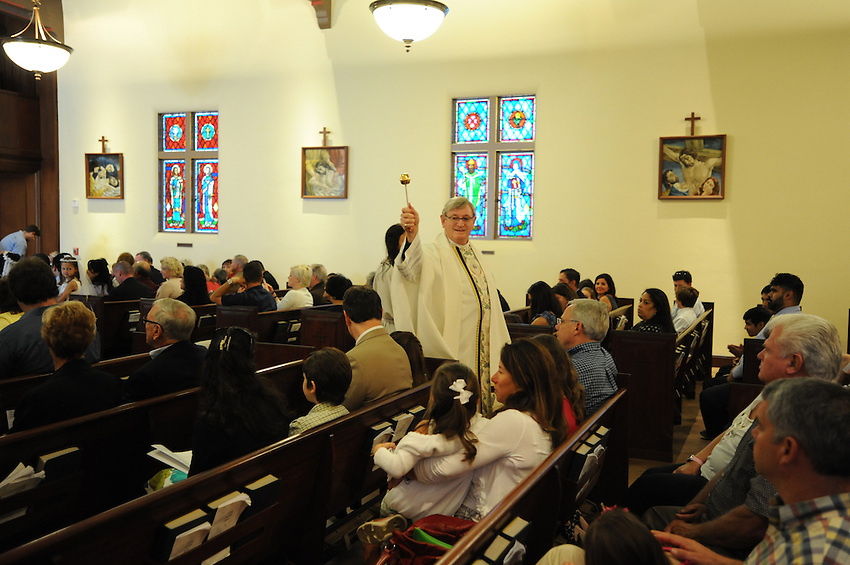 First Communion at Holy Spirit Catholic Church in Sacramento, CA on Saturday, May 21, 2011. (photo by Pico van Houtryve)