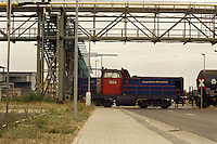Ort: Bitterfeld /Sachsen Anhalt/ Germany..Datum:29.06.2005..DB Cargo und Regio Bahn Bitterfeld RBB die Bitterfelder Privat Bahn im Bitterfelder Industriegebiet...Güterabfertigung am Bahnhof..