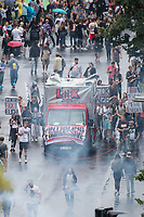 """Die Techno-Parade """"Zug der Liebe"""" zog am Samstag den 25. August 2018 mit zehntausenden tanzenden Menschen durch Berlin. Die Organisatoren wollen mit dem seit 2015 stattfindenden Zug der Liebe """"ein Zeichen fuer mehr Naechstenliebe und soziales Engagement"""" setzen. """"Wir protestieren friedlich aber lautstark gegen rechtspopulistische Triebe und die anwachsende Gleichgueltigkeit in unserer Gesellschaft. Toleranz und Menschlichkeit, als wichtige Werte einer liberalen Gesellschaft, sollen im Alltag wieder mehr in den Vordergrund ruecken"""". <br /> 25.8.2018, Berlin<br /> Copyright: Christian-Ditsch.de<br /> [Inhaltsveraendernde Manipulation des Fotos nur nach ausdruecklicher Genehmigung des Fotografen. Vereinbarungen ueber Abtretung von Persoenlichkeitsrechten/Model Release der abgebildeten Person/Personen liegen nicht vor. NO MODEL RELEASE! Nur fuer Redaktionelle Zwecke. Don't publish without copyright Christian-Ditsch.de, Veroeffentlichung nur mit Fotografennennung, sowie gegen Honorar, MwSt. und Beleg. Konto: I N G - D i B a, IBAN DE58500105175400192269, BIC INGDDEFFXXX, Kontakt: post@christian-ditsch.de<br /> Bei der Bearbeitung der Dateiinformationen darf die Urheberkennzeichnung in den EXIF- und  IPTC-Daten nicht entfernt werden, diese sind in digitalen Medien nach §95c UrhG rechtlich geschuetzt. Der Urhebervermerk wird gemaess §13 UrhG verlangt.]"""