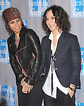 Linda Perry and Sara Gilbert attends the An Evening With Women held at The Beverly Hilton in Beverly Hills, California on May 19,2012                                                                               © 2012 DVS / Hollywood Press Agency