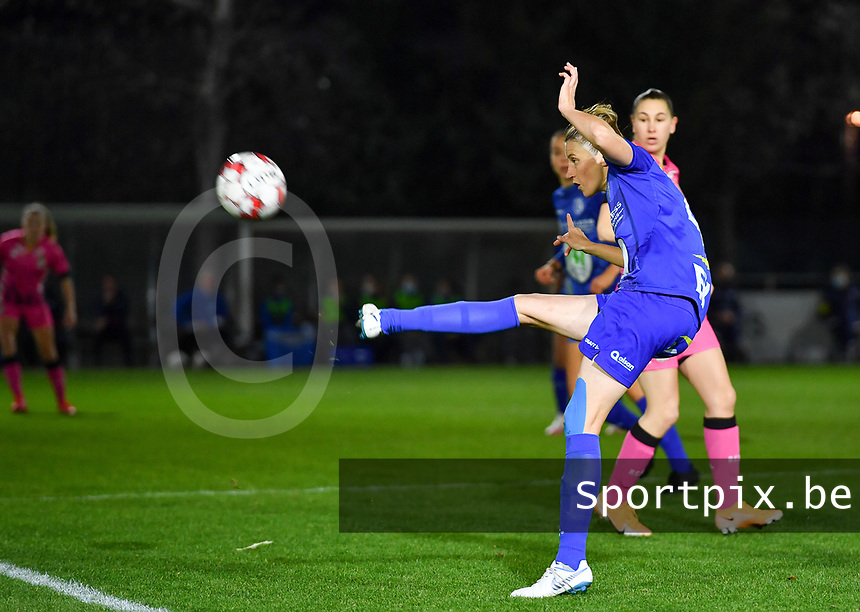 Heleen Jaques (4 Gent) pictured during a female soccer game between  AA Gent Ladies and Sporting Charleroi Feminin on the fifth matchday of the 2020 - 2021 season of Belgian Scooore Womens Super League , friday 16 th of October 2020  in Oostakker , Belgium . PHOTO SPORTPIX.BE | SPP | DAVID CATRY