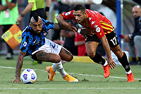 Arturo Vidal of FC Internazionale and Gianluca Caprari of Benevento Calcio compete for the ball during the Serie A football match between Benevento Calcio and FC Internazionale at Ciro Vigorito Stadium in Benevento (Italy), September 30th, 2020. Photo Cesare Purini / Insidefoto