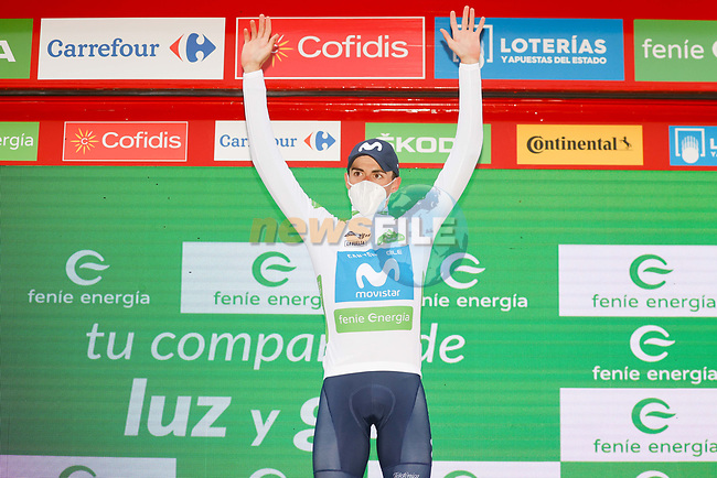 Enric Mas (ESP) Movistar Team retains the young riders White Jersey at the end of Stage 16 of the Vuelta Espana 2020, running 160km from Salamanca to Ciudad Rodrigo, Spain. 6th November 2020. <br /> Picture: Luis Angel Gomez/PhotoSportGomez | Cyclefile<br /> <br /> All photos usage must carry mandatory copyright credit (© Cyclefile | Luis Angel Gomez/PhotoSportGomez)