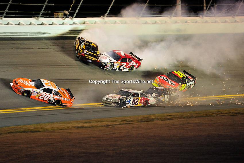 Feb 07, 2009; 8:34:20 PM;  Daytona Beach, FL. USA; NASCAR Sprint Cup Series race at the Daytona International Speedway for the  Budweiser Shootout.  Mandatory Credit: (thesportswire.net)