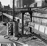 travaux-de-construction--la-station-de-métro-place-des-arts-21-avril-1964