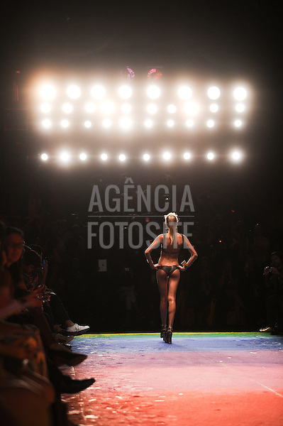 Rio de Janeiro, Brasil – 26/05/2012 - Desfile de Triya durante o Fashion Rio  - Verao 2013. Foto : Gustavo Scatena / Agência Fotosite