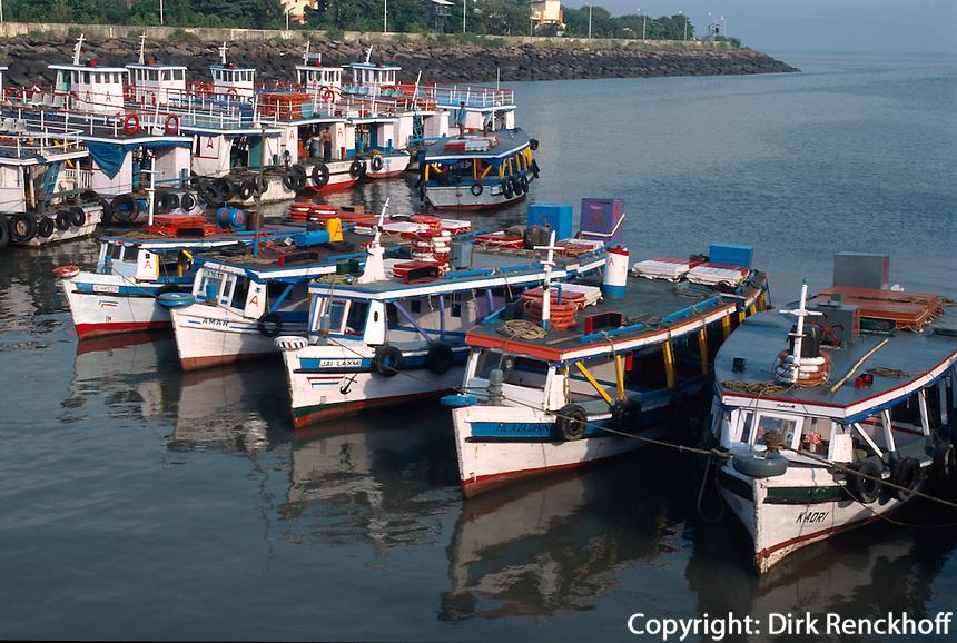 Indien, Bombay (Mumbai), Boote beim Gateway of India