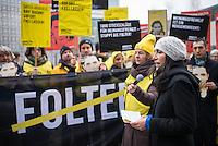 Mitglieder der Menschenrechtsorganisation Amnesty International, Mitglieder der Partei Buendnis 90/Die Gruenen und der Journalistenorganisation Reporter ohne Grenzen fordert am Donnerstag den 22. Januar 2015 vor der Saudiarabischen Botschaft Freiheit fuer den Blogger Raif Badawi. Der Blogger war von einem saudischen Gericht zu 1.000 Stockschlaegen verurteilt worden, weil er angeblich religioese Gefuehle verletzt haben soll.<br /> 50 Stockschlaege hatte Badawi bereits erhalten, worauf nach einer aerztlichen Untersuchung festgestellt wurde, dass er auf Grund seiner Verletzungen bis Freitag 23. Januar keine weiteren Stockschlaege mehr bekommen koenne. Weitere 50 Stockschlaege die für den 23. Januar angesetzt waren, wurden am 22. Januar wieder aus medizinischen Gruenden verschoben.<br /> Gegen die Entscheidung des Gerichts haben weltweit Menschen protestiert, so auch am Donnerstag den 22. Januar 2015.<br /> Im Bild: Selmin Caliskan, Generalsekretaerin von Amnesty Deutschland.<br /> 25.1.2015, Berlin<br /> Copyright: Christian-Ditsch.de<br /> [Inhaltsveraendernde Manipulation des Fotos nur nach ausdruecklicher Genehmigung des Fotografen. Vereinbarungen ueber Abtretung von Persoenlichkeitsrechten/Model Release der abgebildeten Person/Personen liegen nicht vor. NO MODEL RELEASE! Nur fuer Redaktionelle Zwecke. Don't publish without copyright Christian-Ditsch.de, Veroeffentlichung nur mit Fotografennennung, sowie gegen Honorar, MwSt. und Beleg. Konto: I N G - D i B a, IBAN DE58500105175400192269, BIC INGDDEFFXXX, Kontakt: post@christian-ditsch.de<br /> Bei der Bearbeitung der Dateiinformationen darf die Urheberkennzeichnung in den EXIF- und  IPTC-Daten nicht entfernt werden, diese sind in digitalen Medien nach §95c UrhG rechtlich geschuetzt. Der Urhebervermerk wird gemaess §13 UrhG verlangt.]
