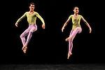 DUETS....Choregraphie : CUNNINGHAM Merce..Mise en scene : CUNNINGHAM Merce..Compositeur : CAGE John..Decor : LANCASTER Mark..Lumiere : LANCASTER Mark SHALLENBERG Christine..Avec :..CROSSMAN Dylan..TOOGOOD Melissa..Lieu : Theatre de la Ville..Ville : Paris..Le : 20 12 2011 © Laurent Paillier / photosdedanse.com<br /> All rights reserved