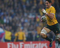 Rob Simmons of Australia scores an early try during the Semi Final of the Rugby World Cup 2015 between Argentina and Australia - 25/10/2015 - Twickenham Stadium, London<br /> Mandatory Credit: Rob Munro/Stewart Communications