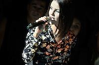 Marina KAYE chante pendant le defile Etam Live Show 100ans - 27 septembre 2016 - Centre Georges Pompidou - Paris - France