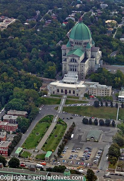 aerial photograph of Saint Joseph's Oratory of Mount Royal, Oratoire Saint-Joseph du Mont-Royal, Montreal, Quebec, Canada |photographie aérienne de l'Oratoire Saint-Joseph du Mont-Royal, Oratoire Saint-Joseph du Mont-Royal, Montréal, Québec, Canada
