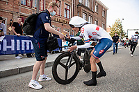 Joscelin Lowden (GBR/Drops - Le Col) after finishing<br /> <br /> Women Elite Individual Time Trial from Knokke-Heist to Bruges (30.3 km)<br /> <br /> UCI Road World Championships - Flanders Belgium 2021<br /> <br /> ©kramon