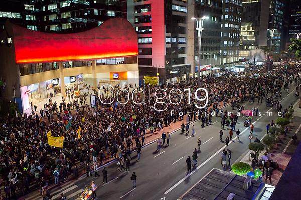 SÃO PAULO, SP, 23.08.2019: PROTESTO-SP - Manifestantes se reuniram na Avenida Paulista em frente ao MASP, em ato contra o atual governo em relação à Floresta Amazônica nesta sexta-feira (23). (Foto: Mila Maluhy/Código19)