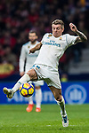 Toni Kroos of Real Madrid in action during the La Liga 2017-18 match between Atletico de Madrid and Real Madrid at Wanda Metropolitano  on November 18 2017 in Madrid, Spain. Photo by Diego Gonzalez / Power Sport Images