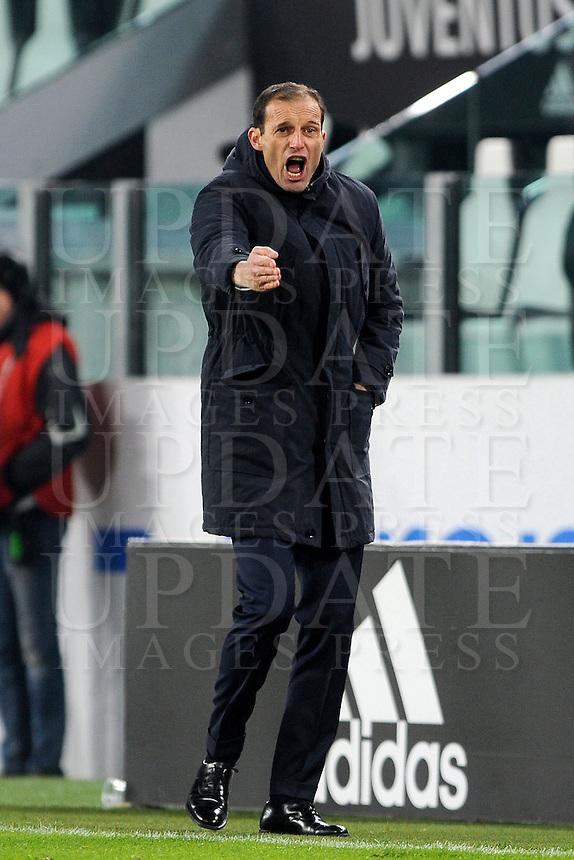 Calcio, Ottavi di finale di Tim Cup: Juventus vs Atalanta. Torino, Juventus Stadium, 11 gennaio 2017.<br /> Juventus coach Massimiliano Allegri gives indications to his players during the Italian Cup football round of 16 match between Juventus and Atalanta at Turin's Juventus Stadium, 8 January 2017. Juventus won 3-2 to join the quarter finals.<br /> UPDATE IMAGES PRESS/Manuela Viganti