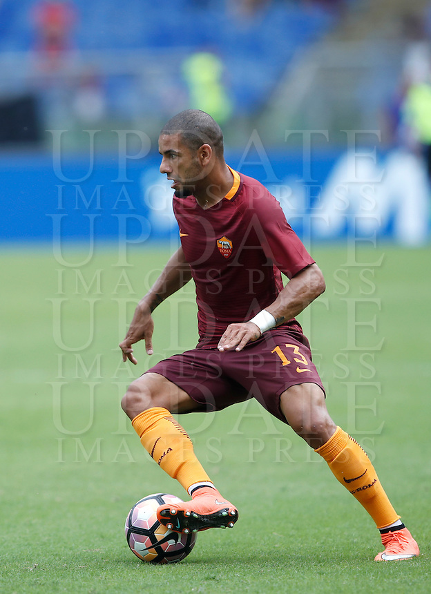 Calcio, Serie A: Roma vs Sampdoria. Roma, stadio Olimpico, 11 settembre 2016.<br /> Roma's Bruno Peres in action during the Italian Serie A football match between Roma and Sampdoria at Rome's Olympic stadium, 11 September 2016. Roma won 3-2.<br /> UPDATE IMAGES PRESS/Isabella Bonotto