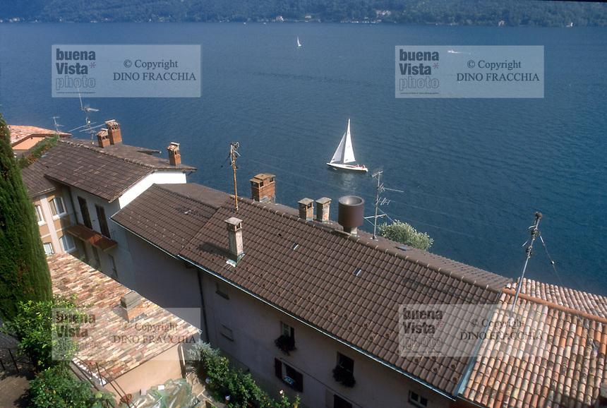 - the Gandria village on Lugano lake....- il paese di Gandria sul lago di Lugano
