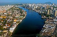 Vista aérea da cidade de Vitória. Espírito Santo. 2006. Foto de Rogério Reis.