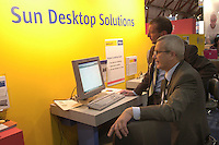 """- """"Linux World"""", first trades exhibition of the """"open source"""" software....- """"Linux World """", primo salone commerciale del software """"open source"""""""