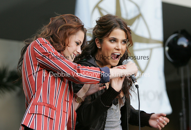 """Kristen Stewart & Nikki Reed introduce Paramore at Paramore's """"Lost Show"""" held at Hot Topic in Hollywood, California on November 18,2008                                                                     Copyright 2008 Debbie VanStory/RockinExposures"""