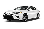 Stock pictures of low aggressive front three quarter view of a 2018 Toyota Camry SE Auto 4 Door Sedan