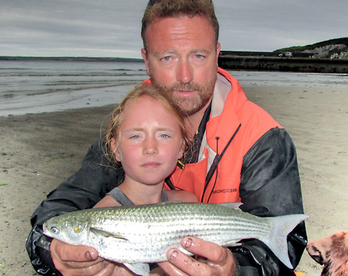 Amy O'Brien with dad Sidney, winner of the Dr AEJ Went Award for Young Specimen Angler of the Year with her 1.02kg golden grey mullet