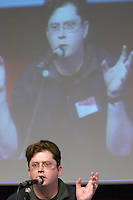 Hugh MacLeod at the Les Blog conference in Paris December 2005 on blogging, new media and internet strategy