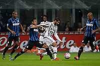 Calcio, Serie A: Inter vs Juventus. Milano, stadio San Siro, 18 ottobre 2015. <br /> Juventus' Alvaro Morata, center, is challenged by FC Inter's Jeison Murillo, left, and Felipe Melo, during the Italian Serie A football match between FC Inter and Juventus, at Milan's San Siro stadium, 18 October 2015.<br /> UPDATE IMAGES PRESS/Isabella Bonotto