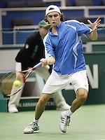 24-2-06, Netherlands, tennis, Rotterdam, ABNAMROWTT, Gilles Simon in action against Jarkko Nieminnen