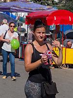 Seifenblasen  beim Traubenfest, Vrsac, Vojvodina, Serbien, Europa<br /> soap bubbles at the wine-festival, Vrsac, Vojvodina, Serbia, Europe