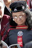 Una nativa americana attende l'inizio della cerimonia di canonizzazione di Kateri Tekakwitha, insieme ad altri sei nuovi santi, in Piazza San Pietro, Citta' del Vaticano, 21 ottobre 2012..A Native American Indian waits for the beginning of a canonization ceremony in St. Peter square at the Vatican, 21 October 2012. Kateri Tekakwitha, a 17th-century Mohawk Indian who spent most of her life in what is now upstate New York, was declared a saint along with six others in a ceremony attended by the Pope..UPDATE IMAGES PRESS/Riccardo De Luca