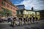 © Joel Goodman - 07973 332324 . 22/05/2016 . Manchester , UK . Runners passing the Peveral of the Peak pub . The Great Manchester Run in Manchester City Centre . Photo credit : Joel Goodman