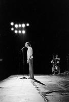 Gilles Vigneault<br /> en spectacle  vers 1974<br /> , date inconnue <br /> <br /> <br /> PHOTO :  Agence Quebec Presse