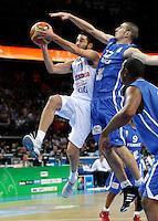 Spanish national basketball player Juan Carlos Navarro and Frnech Nando De Colo during final Eurobasket 2011 game between Spain and France in Kaunas, Lithuania, Sunday, September 18, 2011. (photo: Pedja Milosavljevic)