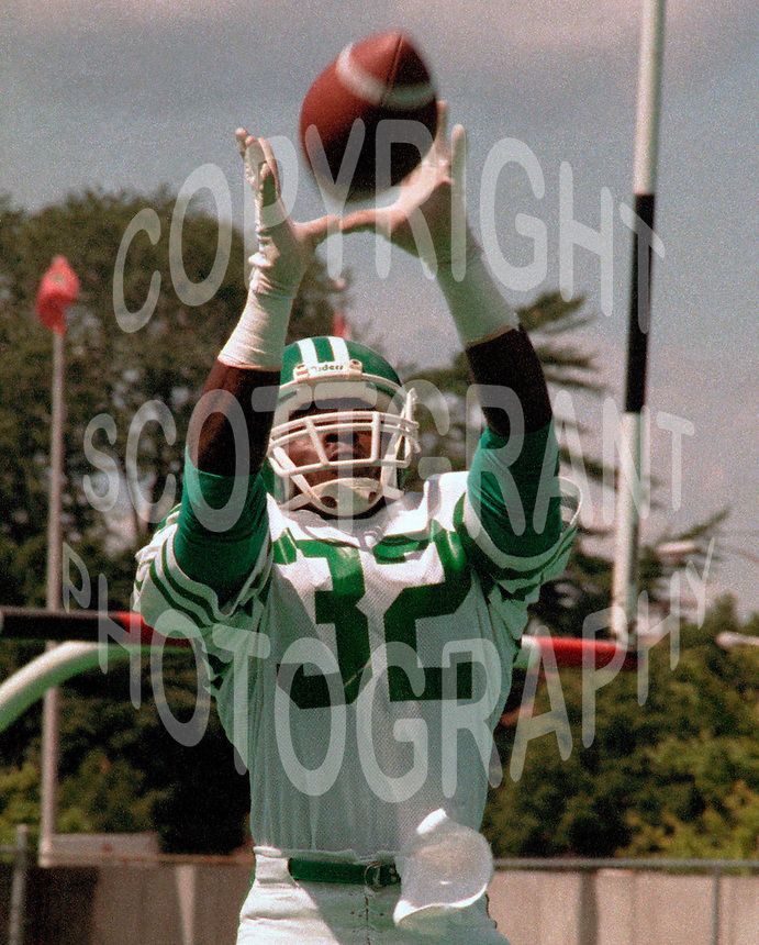 Terry Irvin Saskatchewan Roughriders 1984. Photo F. Scott Grant