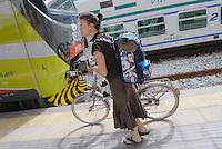 - Milan suburban railways, Rogoredo station, bike by train service<br /> <br /> - Passante Ferroviario di Milano, stazione di Rogoredo, servizio bici più treno