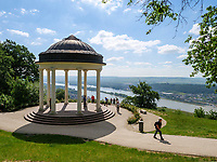 Niederwaldtempel bei Rüdesheim, Hessen, Deutschland, Europa, UNESCO Weltkulturerbe<br /> Niederwald temple near Rüdesheim, Hesse, Germany, Europe