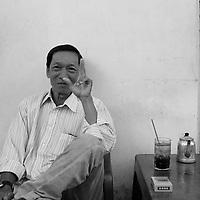 Portraits de rue a Saigon avant Noel 2019 par Roussel Fine Art Photo