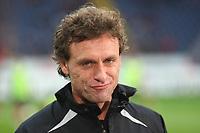 Trainer Thomas Doll (BVB)<br /> Eintracht Frankfurt vs. Borussia Dortmund, Commerzbank Arena<br /> *** Local Caption *** Foto ist honorarpflichtig! zzgl. gesetzl. MwSt. Auf Anfrage in hoeherer Qualitaet/Aufloesung. Belegexemplar an: Marc Schueler, Am Ziegelfalltor 4, 64625 Bensheim, Tel. +49 (0) 6251 86 96 134, www.gameday-mediaservices.de. Email: marc.schueler@gameday-mediaservices.de, Bankverbindung: Volksbank Bergstrasse, Kto.: 151297, BLZ: 50960101