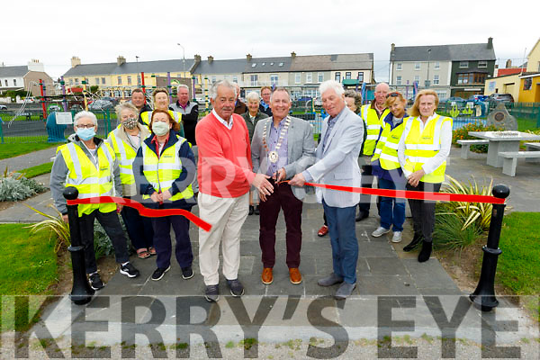 Cllr Robert Beasley, Cllr Mike Foley (Cathaoirleach, (Listowel Municipal District) and Noel Nash (Chairman Ballybunion Tidy Towns) cutting the ribbon on the 4 marble picnic/ chess tables in Ballybunion town park on Tuesday. L to r: Francis O'Kelly, Pat O'Connor, Cllr Robert Beasley, Cllr Mike Foley and Noel Nash.