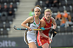 NED - Amsterdam, Netherlands, August 20: During the women Pool B group match between Germany (white) and England (red) at the Rabo EuroHockey Championships 2017 August 20, 2017 at Wagener Stadium in Amsterdam, Netherlands. Final score 1-0. (Photo by Dirk Markgraf / www.265-images.com) *** Local caption *** Pia Oldhafer #29 of Germany, Hollie Webb #20 of England