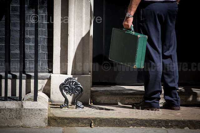 London, 19/07/2016. First Cabinet meeting at 10 Downing Street (after the EU Referendum and consequent David Cameron's resignation) for the new Prime Minister Theresa May and her newly formed Conservative Government.<br /> <br /> For more information about the Cabinet Ministers: https://www.gov.uk/government/ministers