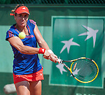 Anabel Medina-Garrigues wins her first round match at Roland Garros on May 28, 2012.