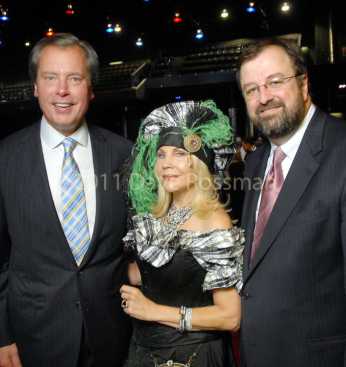 Lt. Governor David Dewhurst, Carolyn Farb and Dr. Bob Sanborn at the Children at Risk benefit at the Verizon Wireless Theater Friday April 02,2009.(Dave Rossman/For the Chronicle)