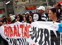 Manifestazione per il diritto alla casa a Roma, 12 aprile 2014.<br /> Demonstration for the right to housing, in Rome, 12 April 2014.<br /> UPDATE IMAGES PRESS/Riccardo De Luca