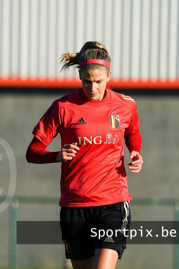 20200911 - TUBIZE , Belgium : Justine Vanhaevermaet pictured during the training session of the Belgian Women's National Team, Red Flames ahead of the Women's Euro Qualifier match against Switzerland, on the 28th of November 2020 at Proximus Basecamp. PHOTO: SEVIL OKTEM | SPORTPIX.BE