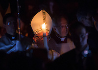 Papa Francesco celebra la veglia di Pasqua nella Basilica di San Pietro, Citta' del Vaticano, 26 marzo 2016.<br />